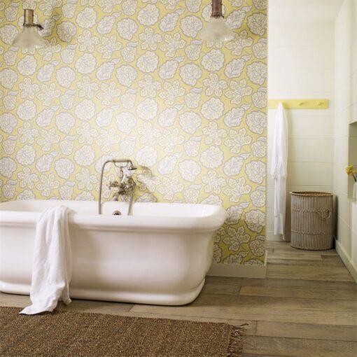 Jewel Leaves Walpaper in the Bathroom Main_DM_med