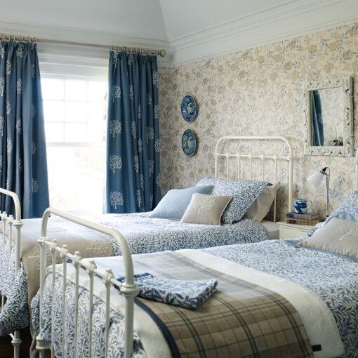 Jasmine Wallpaper in a bedroom