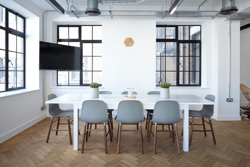Contemporary meeting space